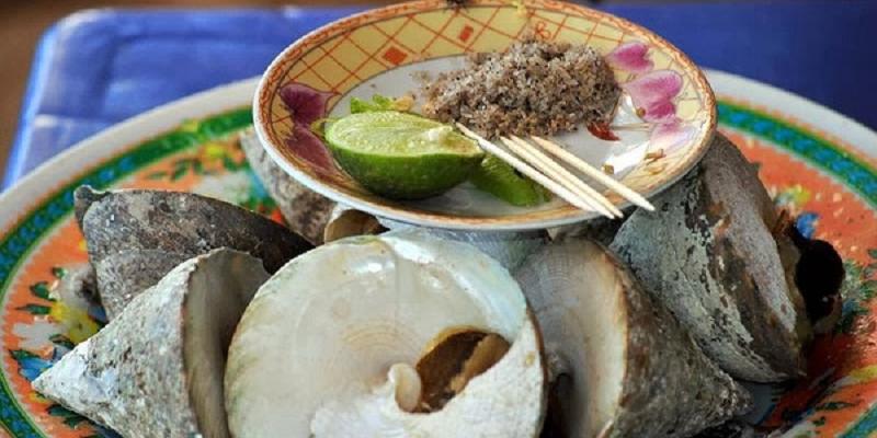 hai nhà hàng ở Cù Lao Chàm
